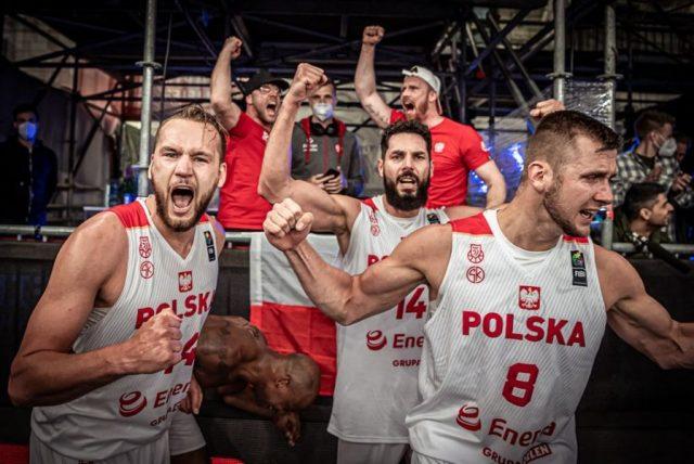 Tak Polacy cieszyli się po awansie na igrzyska - czy wielka radość wybuchnie też po turnieju w Tokio? fot. FIBA